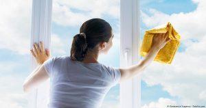 ঘরের কাজের জন্য পারিশ্রমিক পেলেন চীনা নারী
